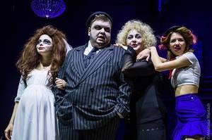 НеЛоліта: чому варто піти на виставу «Дівчинка з ведмедиком» у Театрі на Подолі