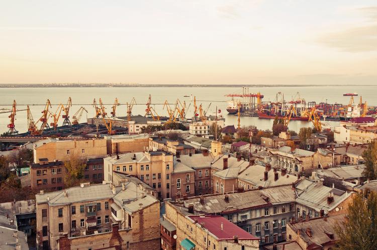 Найбільший у світі контейнерний перевізник прокоментував рішення про відхід з Одеського порту