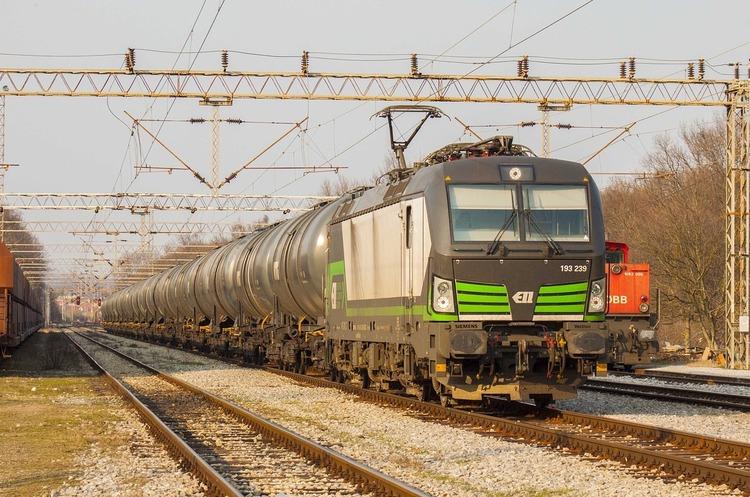 Свободу тепловозу: навіщо пускати приватні локомотиви на залізницю