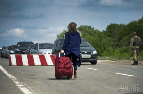 Повернутись додому: яке майбутнє чекає на переселенців з Донбасу