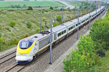 Стривай, тепловозе: чому відкриття ринку приватним локомотивам підвищує ризики для перевізників
