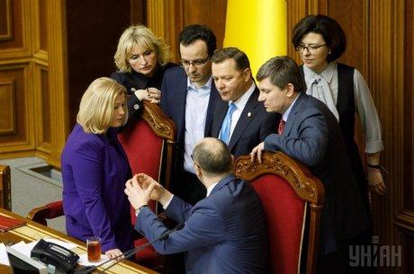 Оттепель с поздним стартом: какие значимые законопроекты парламент так и не смог рассмотреть