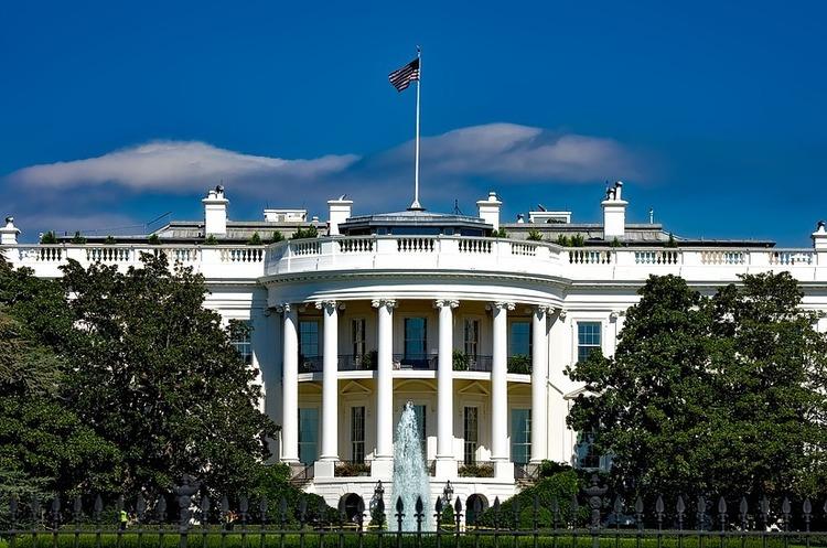 На вимогу Трампа співробітники Білого дому підписали угоди про нерозголошення – WP