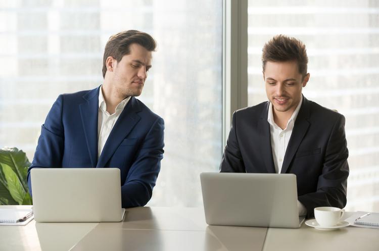 Компанії США почали розкривати, скільки отримують CEO порівняно з середніми працівниками