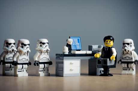 Цькування на роботі: 5 кроків подолання жорстокого ставлення колег