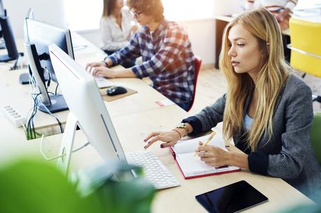 Освітній квітень: 5 безкоштовних онлайн-курсів з бізнесу, що стартують наступного місяця