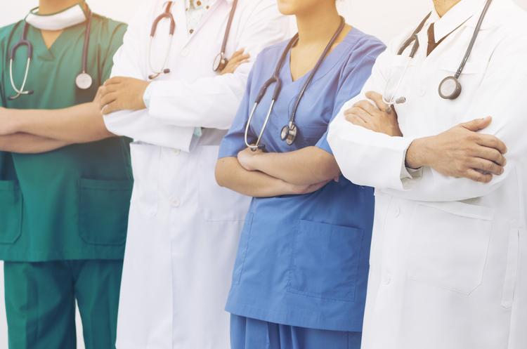 Понад 100 000 українців підписали декларації з лікарем
