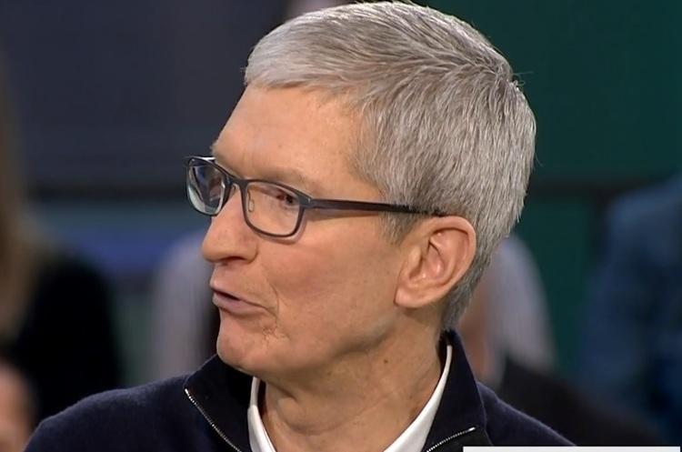 Тім Кук посперечався з Цукербергом про зберігання даних користувачів