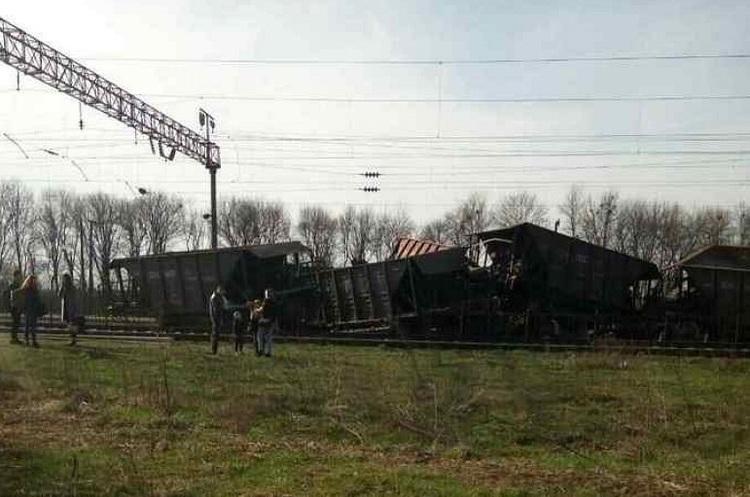 У Львівській області зійшли з рейок 10 вантажних вагонів, роботу залізниці заблоковано