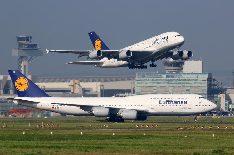 Lufthansa скасовує понад 800 рейсів через страйк
