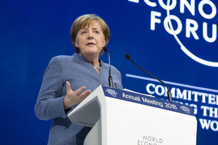 Путін та Меркель телефоном обговорили ситуацію в Україні