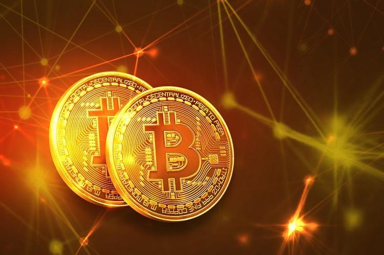 Аналіз криптовалют: біткойн закрив звітний період на рівні $8326
