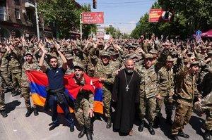 «Оксамитовий майдан» у Вірменії: чому зарано робити висновки