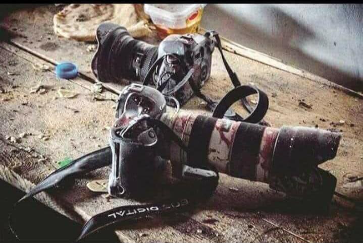 Вибухи в Кабулі: десятки загиблих, серед них 9 журналістів (ВІДЕО)