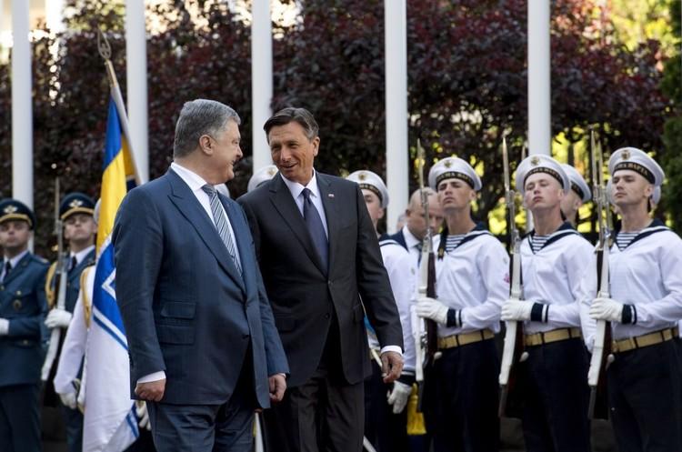 ЄС вирішив ввести нові санкції проти Росії через вибори в окупованому Криму – Порошенко