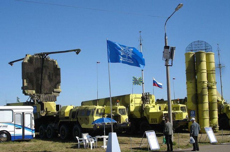 Росія, після візиту Нетаньяху, передумала постачати в Сирію С-300