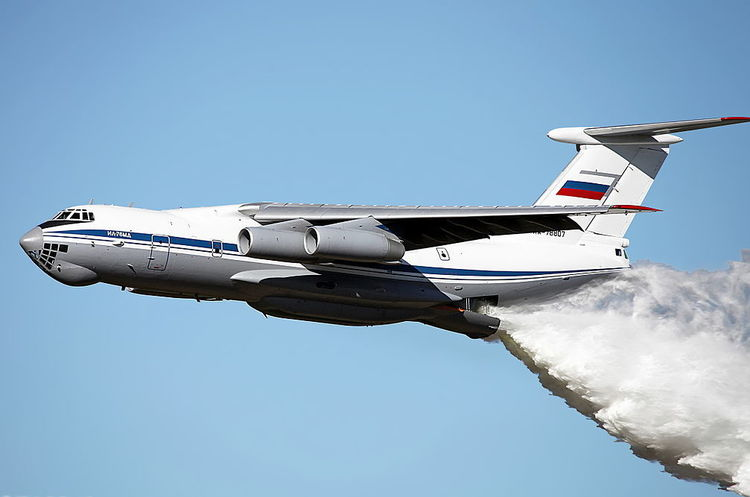 Кім Чен Ин летітиме до Сінгапуру літаком радянської епохи і везтиме з собою охорону та власний лімузин