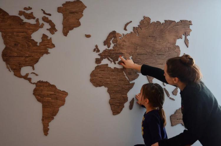 Українська дерев'яна мапа світу зібрала $100 000 на Kickstarter