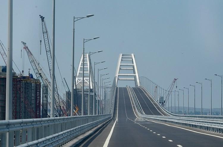 Відкриття Керченського мосту демонструє нерозважну поведінку Росії - Алан Дункан