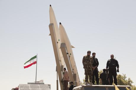 Досвід по-іранськи: по кому справді вдарять санкції