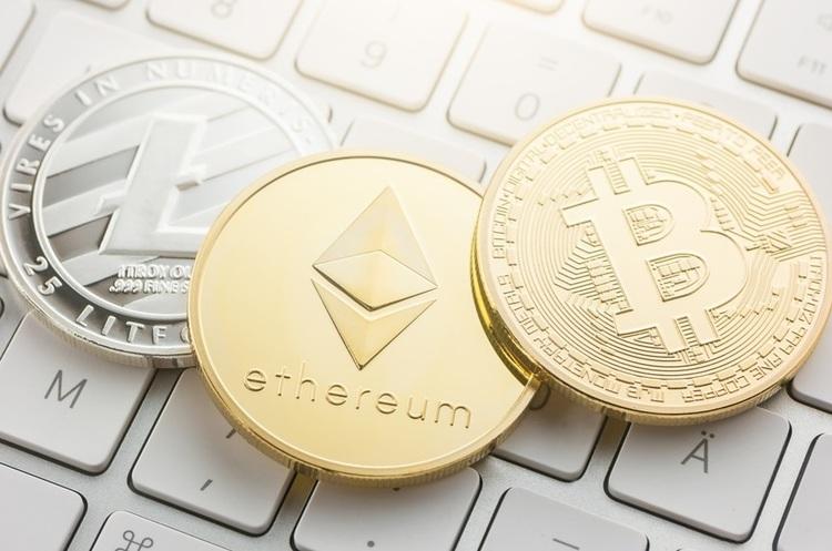 Трейдерам варто купувати тільки біткойни і продавати інші криптовалюти – експерт