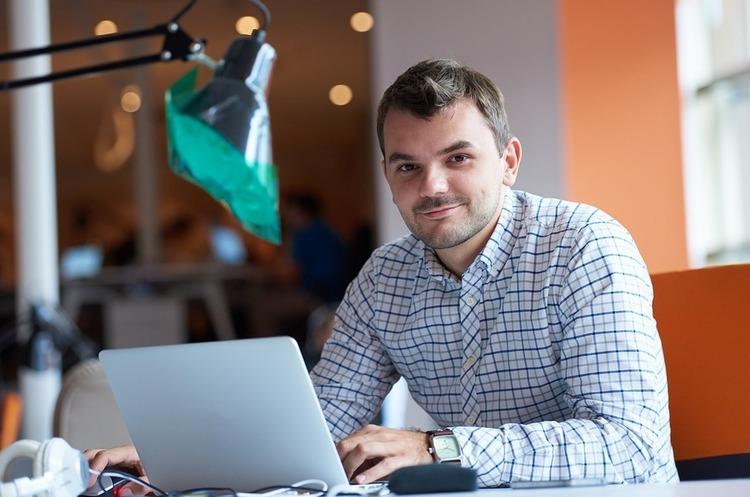 Освітній червень: 5 безкоштовних онлайн-курсів з бізнесу, які чекають на вас цього місяця