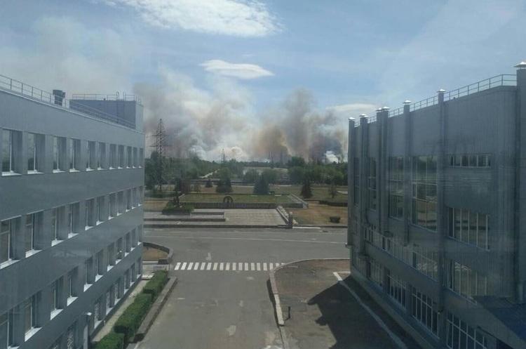 Оновлено: у Чорнобилі горить 10 га радіаційно забрудненого лісу