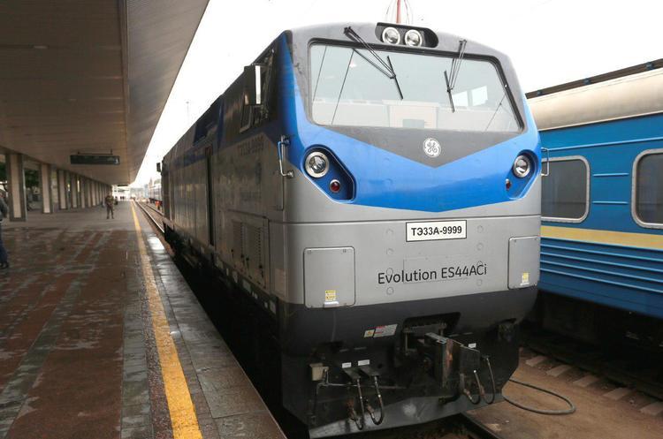 General Electric та Крюківський завод підписали угоду про локалізацію виробництва 30 локомотивів TE33A