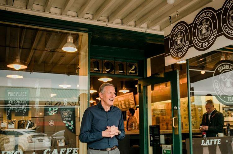 Голова Starbucks йде у відставку після майже 40 років керівництва кавовою імперією