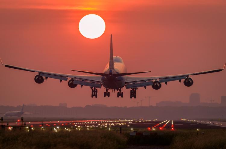Найбільші авіакомпанії Китаю та Канади створять спільне підприємство