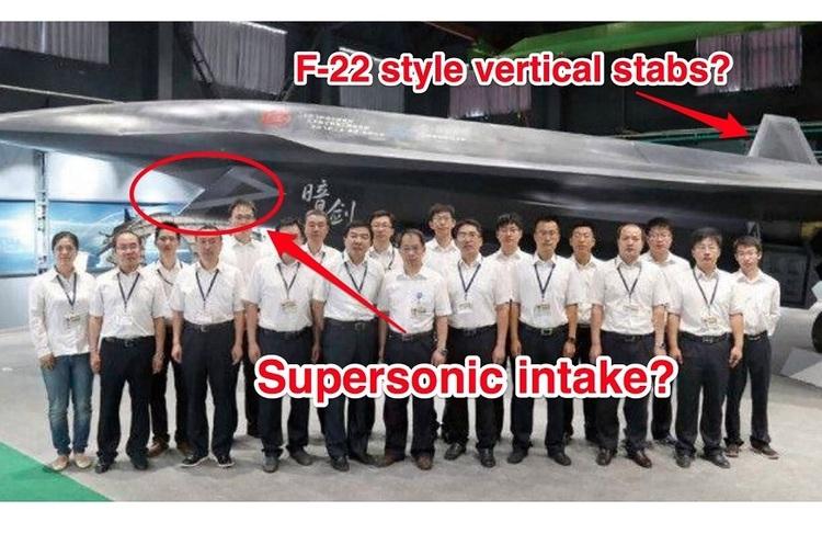 У соцмережі потрапило фото нового китайського безпілотного винищувача «Темний меч»