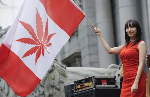 Уряд Канади легалізує марихуану: кожен громадянин зможе мати до 30 г чарівної трави