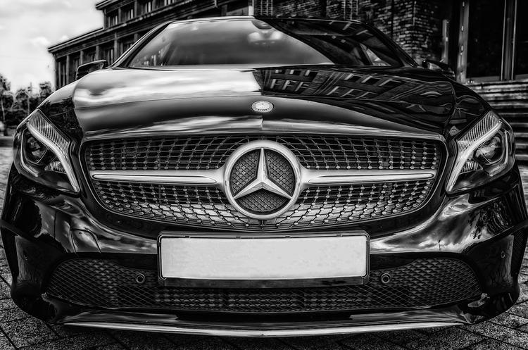 Daimler «впіймали» на встановленні заборонених пристроїв, які вимикають систему очистки вихлопних газів