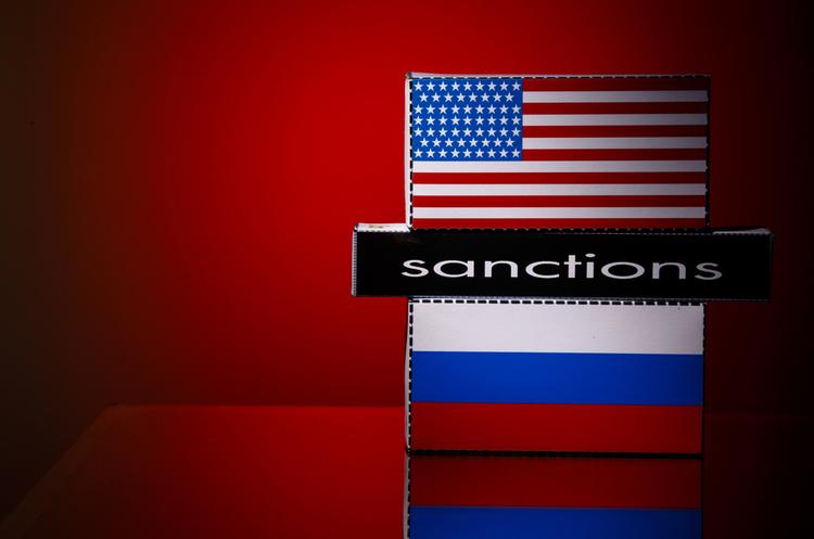 США включили в список санкцій ще трьох росіян і три російські компанії