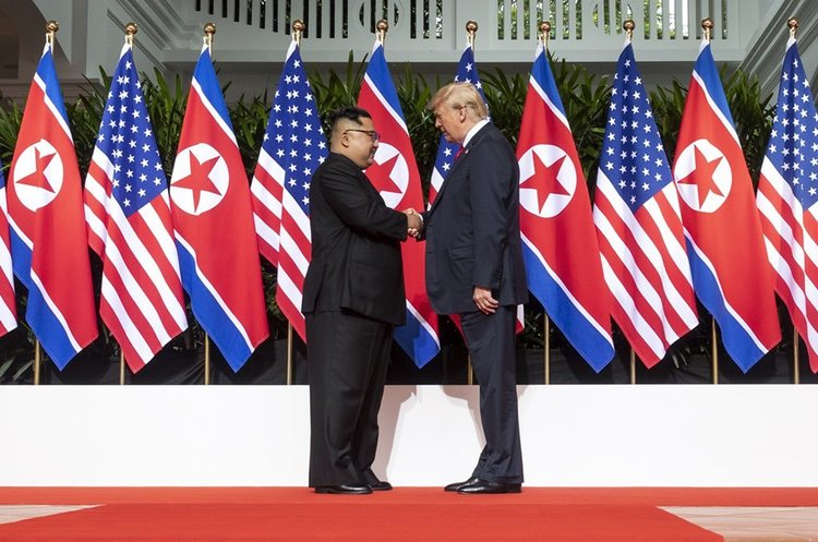 Трамп показав Кім Чен Ину відео про переваги денуклеаризації Північної Кореї (ВІДЕО)