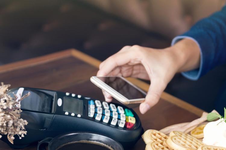 Уряд дозволив використовувати смартфони замість касових апаратів