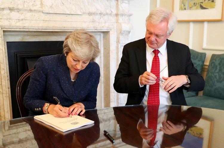 Британський міністр подав у відставку через невдоволеність планом виходу країни з ЄС