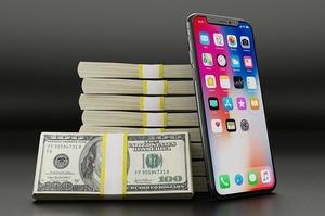 Романси про фінанси: як мобільні оператори намагаються потіснити банки