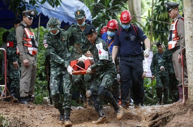 З печери в Таїланді врятовано всіх дітей та їх тренера