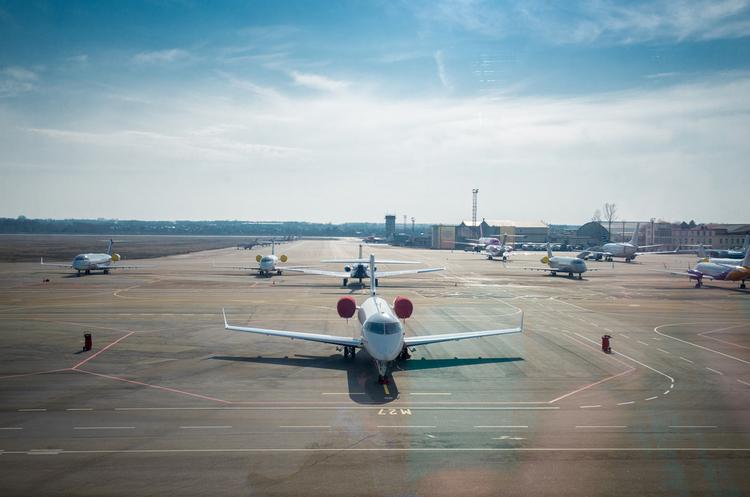Депутати запропонували ввести компенсації пасажирам у разі затримки авіарейсів