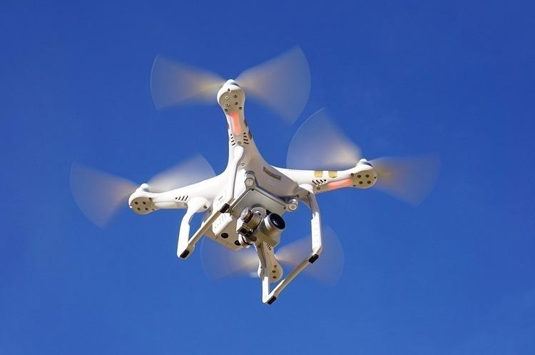 ДТЕК тестує дрони і вертольоти для обстеження електромереж