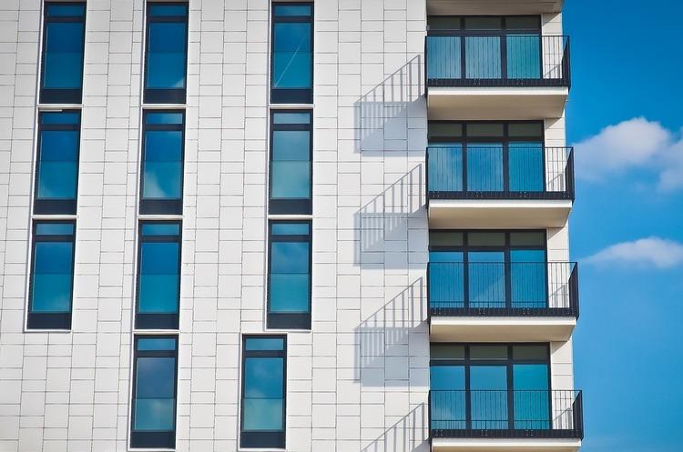 Мінрегіон дозволив скління балконів при проектуванні нових будинків з жовтня