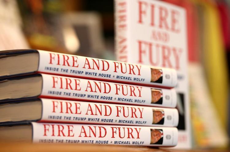 Підгледіти за президентом: чим сьогодні цікава книга «Вогонь і лють. Всередині Білого дому Трампа»