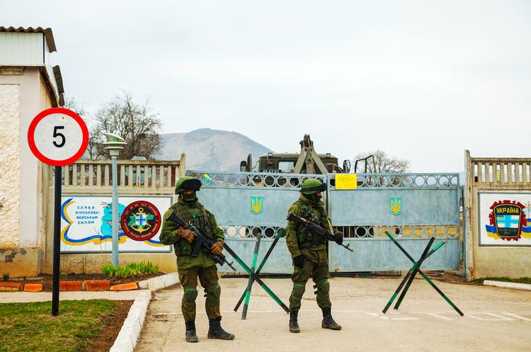 В Криму складають списки всіх, хто виступає проти анексії українського півострова Росією