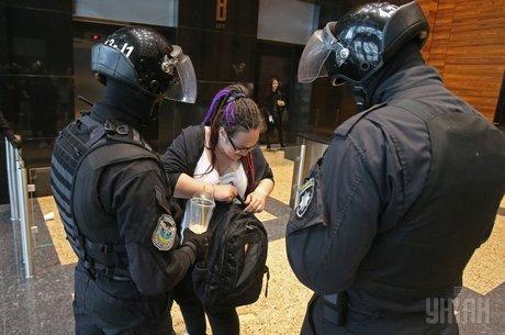 #МаскиШоуСтоп-2: як Мінюст посилює відповідальність правоохоронців