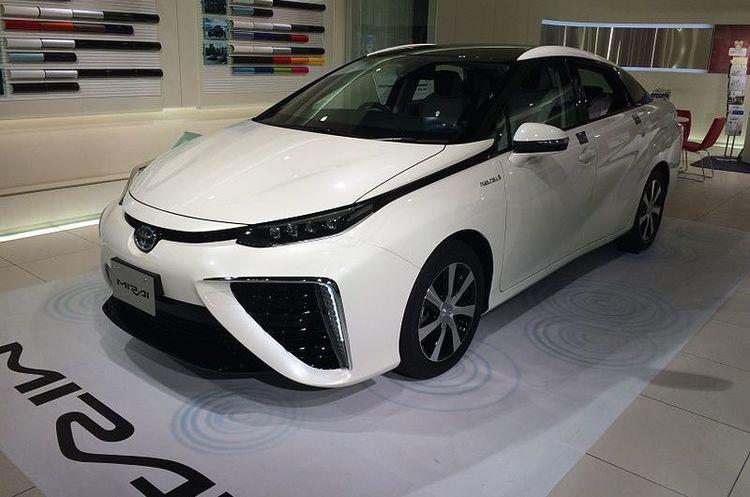 Toyota подвоїть інвестиції у водневі авто