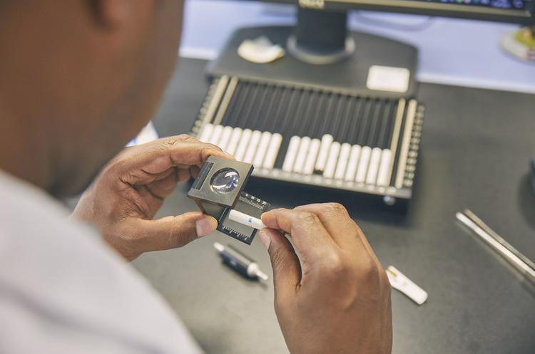 Вироблення та відвантаження сигарет в Україні скорочується, – Philip Morris