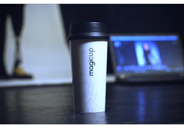 Вірменський стартап презентував екологічні стакани, які самі нагрівають каву