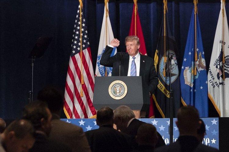 Трамп закликав Мюллера припинити полювання на «російських відьом»