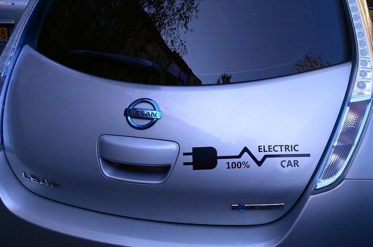 Китай забезпечуватиме батареями понад 70% електрокарів до 2020 року